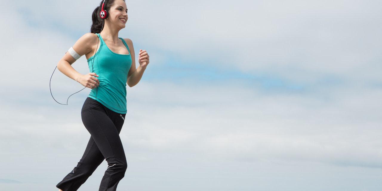 o-WOMAN-RUNNING-HEADPHONES-facebook