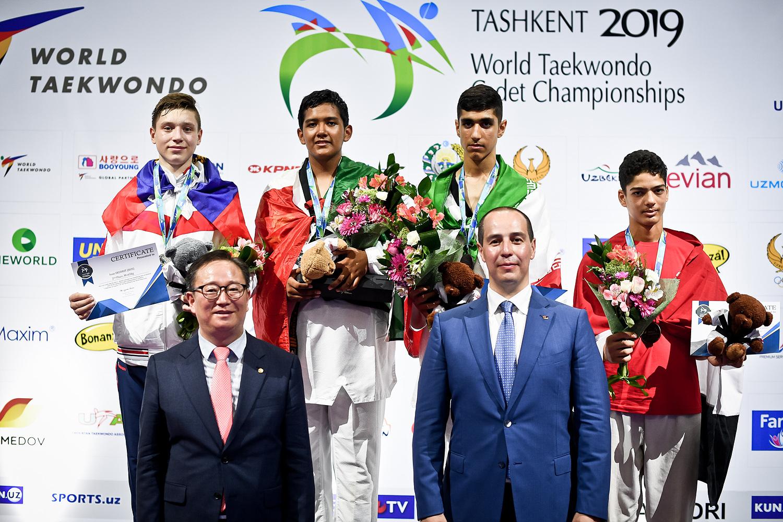 1565253892_awarding-ceremony-for-m-65kg